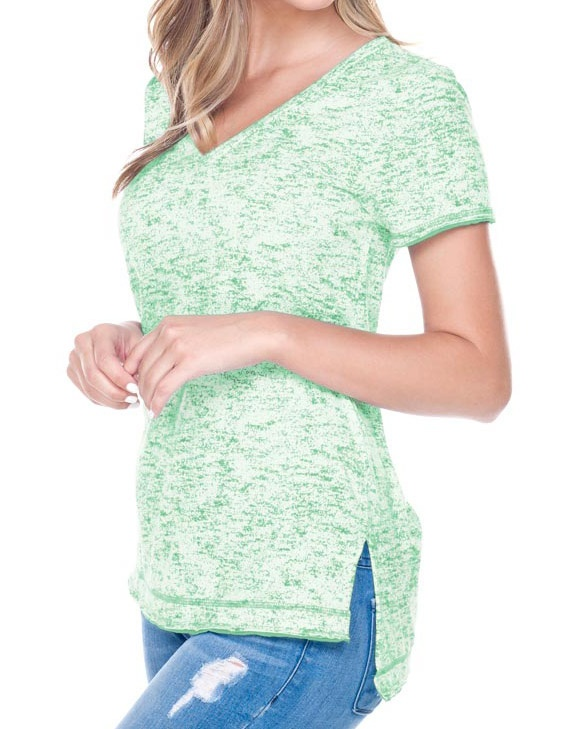 Juniors Static Jersey Print V Neck Raw Edge Short Sleeve, Style JJP0652