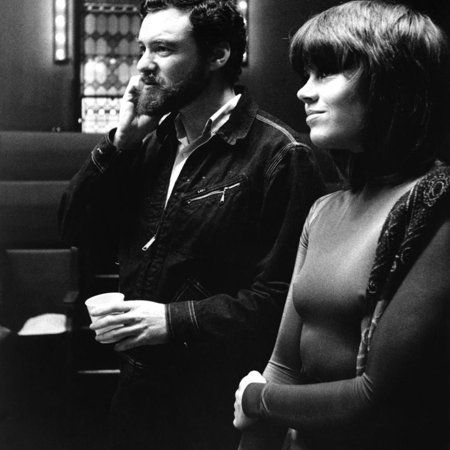 Le realisateur Alan Pakula and Jane Fonda sur le tournage du film Klute en, 1971 (b/w photo) Print Wall Art