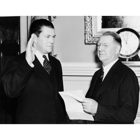 Former Boxer Gene Tunney Is Commissioned In The Naval Reserves Tunney Takes His Oath From Navy Secretary Frank Knox As A Lt Commander