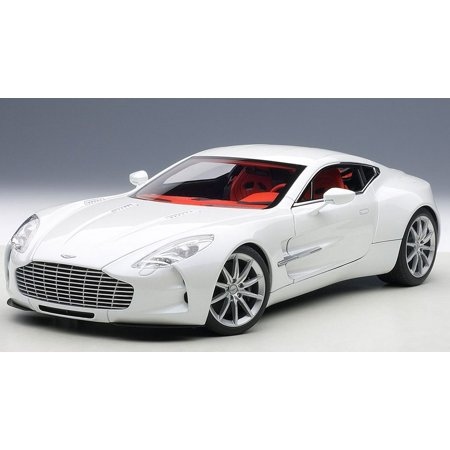 Aston Martin One 77 Morning Frost White 1/18 Diecast Car Model by Autoart