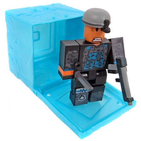 Roblox Series 3 Patient Zero Mini Figure Without Code No Packaging - Roblox Red Series 3 Phantom Forces Phantom Mini Figure Blue Cube With Online Code No Packaging