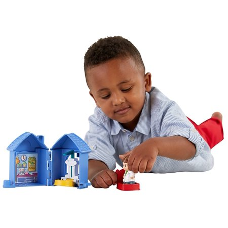 Fisher-Price Little People Fold 'n Go Check Up, Opens wide for play! By FisherPrice