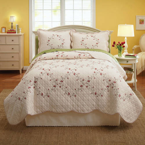 Better Homes and Gardens Hannalore Bedding Quilt