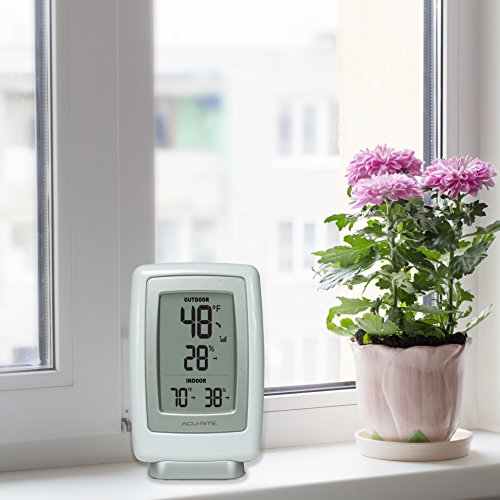 AcuRite 00611A3 Wireless Indoor Outdoor Thermometer and Humidity Sensor by AcuRite