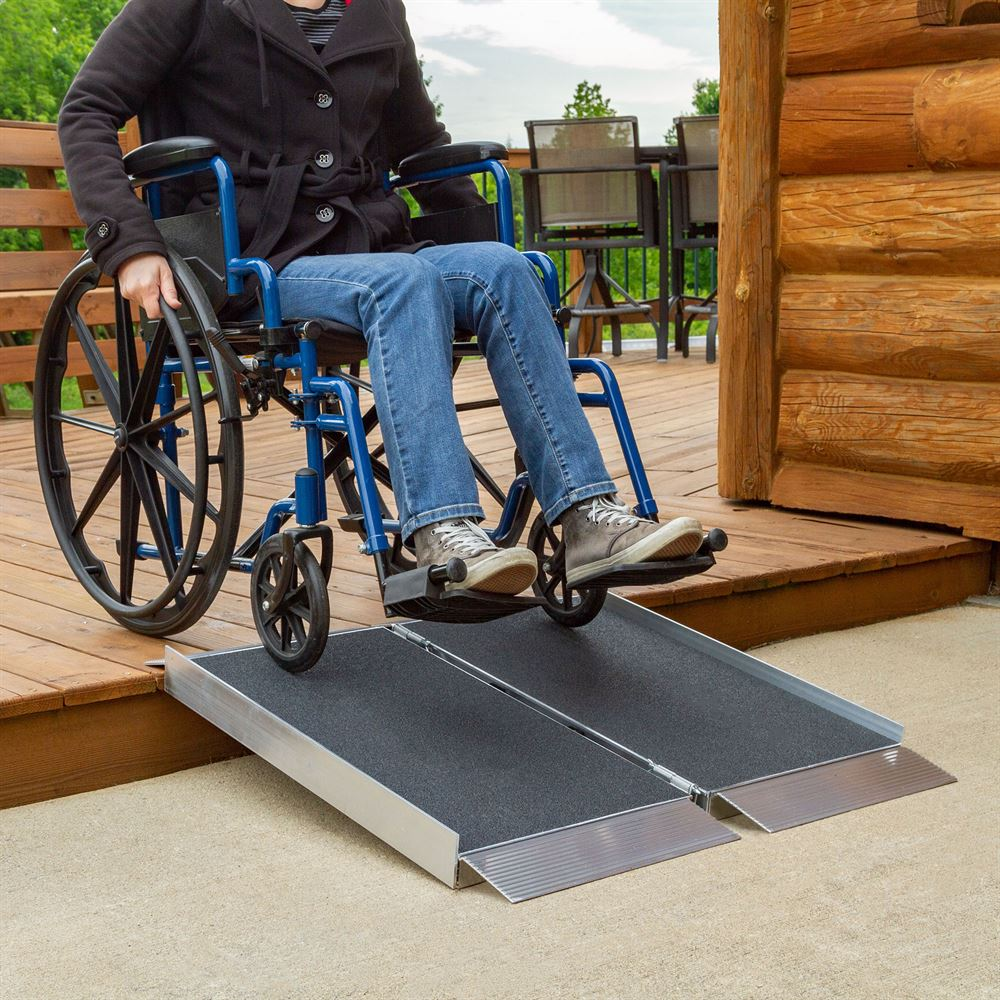 Silver Spring 3' L Single-Fold Aluminum Wheelchair & Scooter Ramp with High-Traction Grit Surface – 700 lb. Capacity