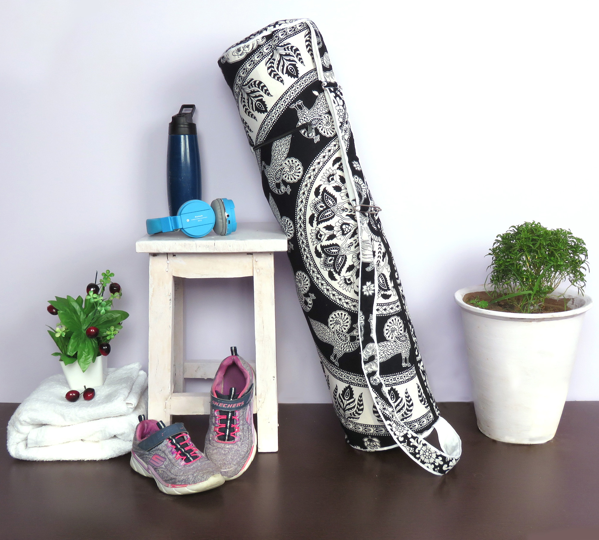 Black and White Yoga Mat Crrying Bag Boho Mandala Yoga Mat Bags for Fintess Session Yoga Bag Sling Strap with Zip Pockets Online by Goood Times