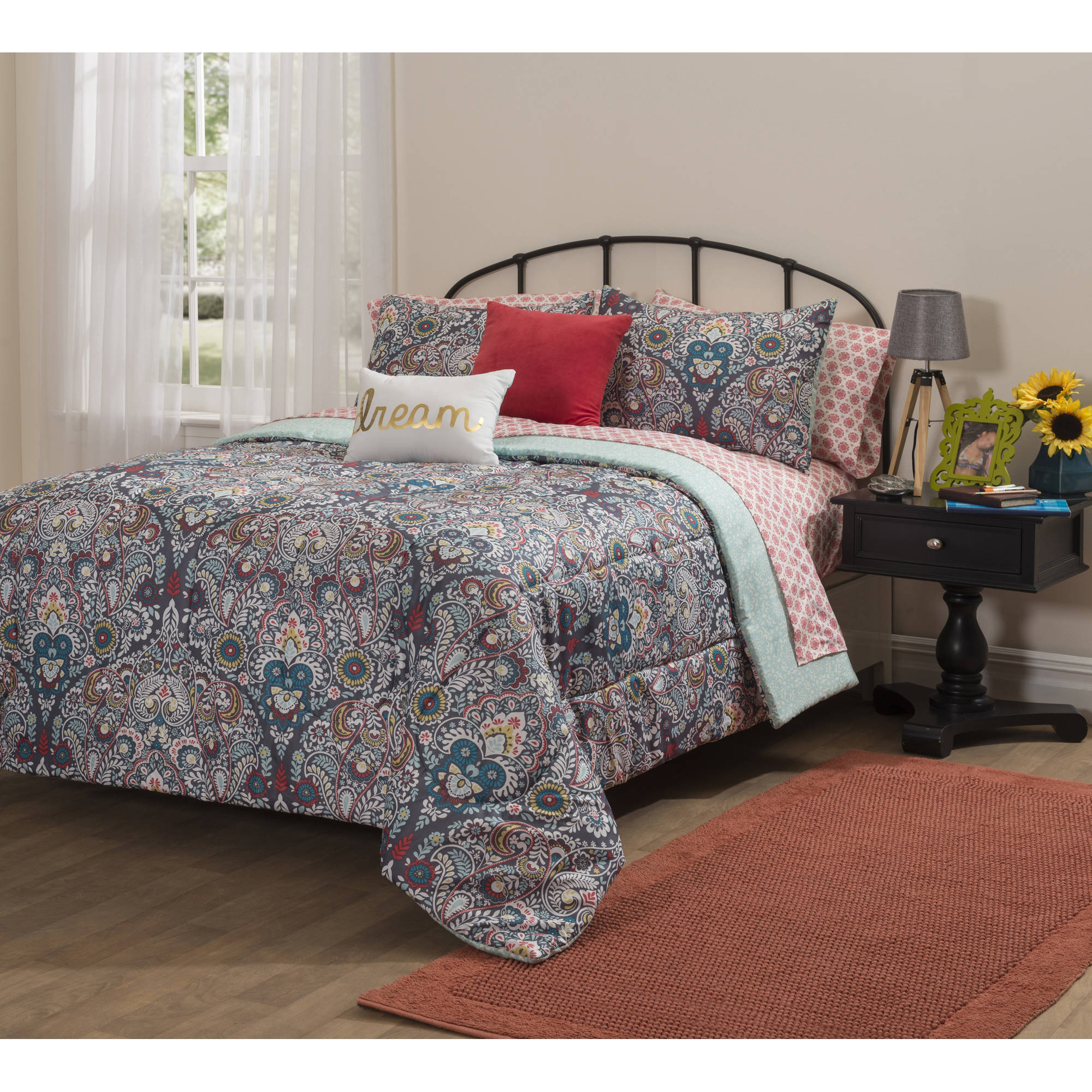 Formula Camelia Damask Bed in a Bag Bedding Set