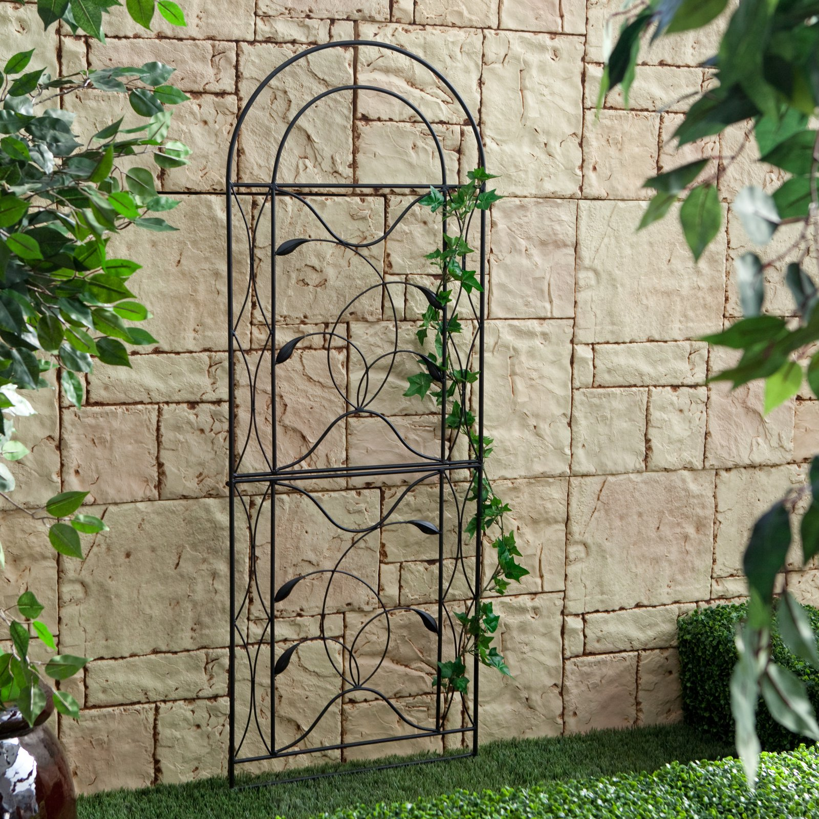 Coral Coast Willow Creek Metal Trellis Black by Chi Wing Rattan Factory