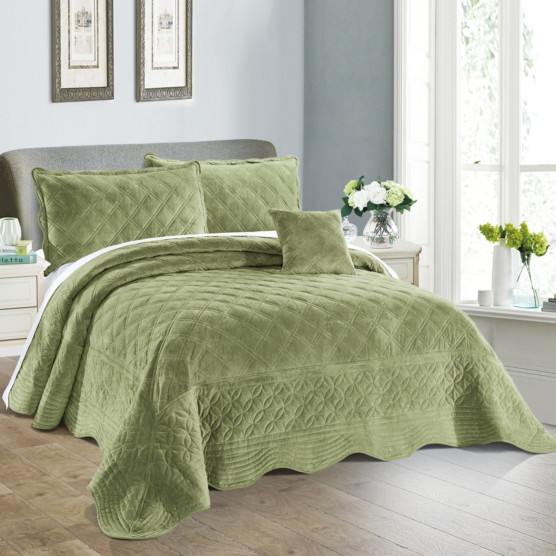 Serenta Supersoft Microplush Quilted 4 Piece Bed Spread Set