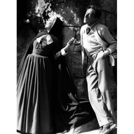 Josette Day and le realisateur Jean Cocteau sur le tournage du film La Belle and la Bete en, 1946 ( Print Wall Art