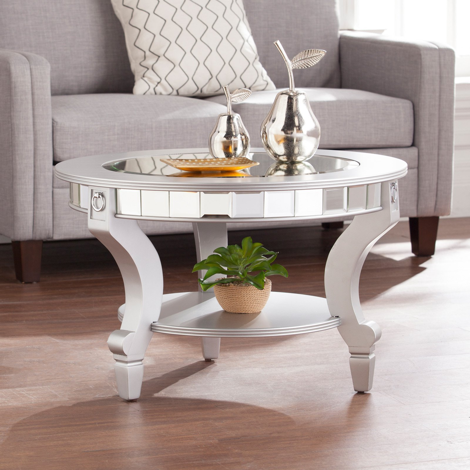 Southern Enterprises Lindsay Glam Mirrored Round Cocktail Table   Matte  Silver