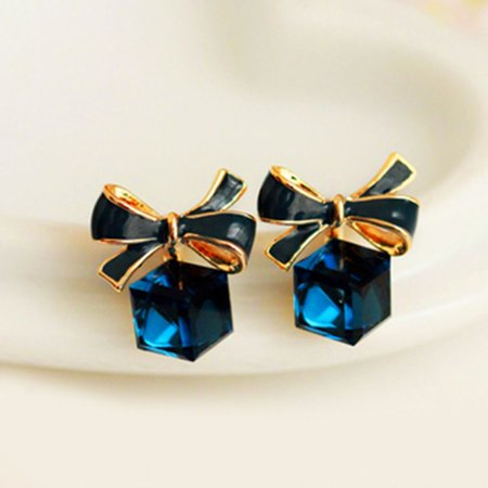 Fashion Bowknot Charm Women Jewelry Square Crystal Stud Earring Pair