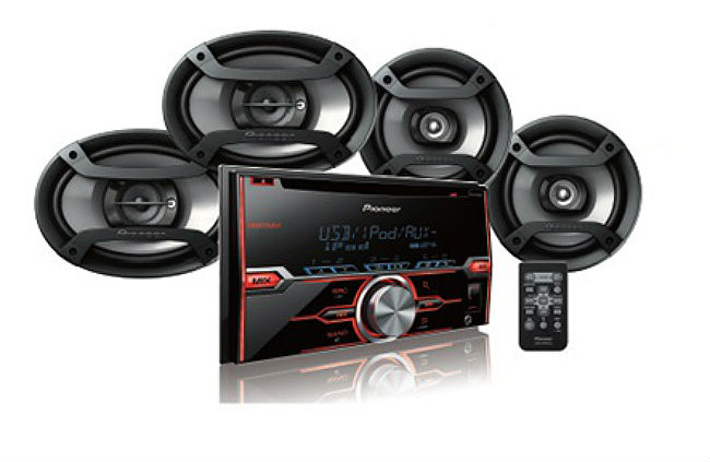 Refurbished Pioneer FH-X520UI In Dash Double Din CD Player with Front Auxiliary & USB Inp... by Pioneer