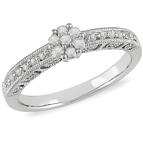 10kt White Gold 1/5ct TDW Diamond Flower Ring
