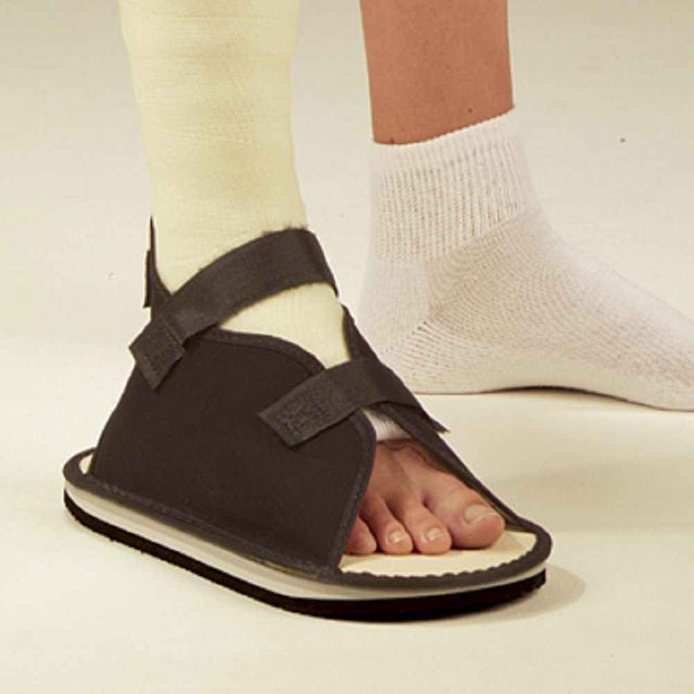 DeRoyal 2033-01 Black Canvas Cast Shoe, Extra-Small - 1 Each