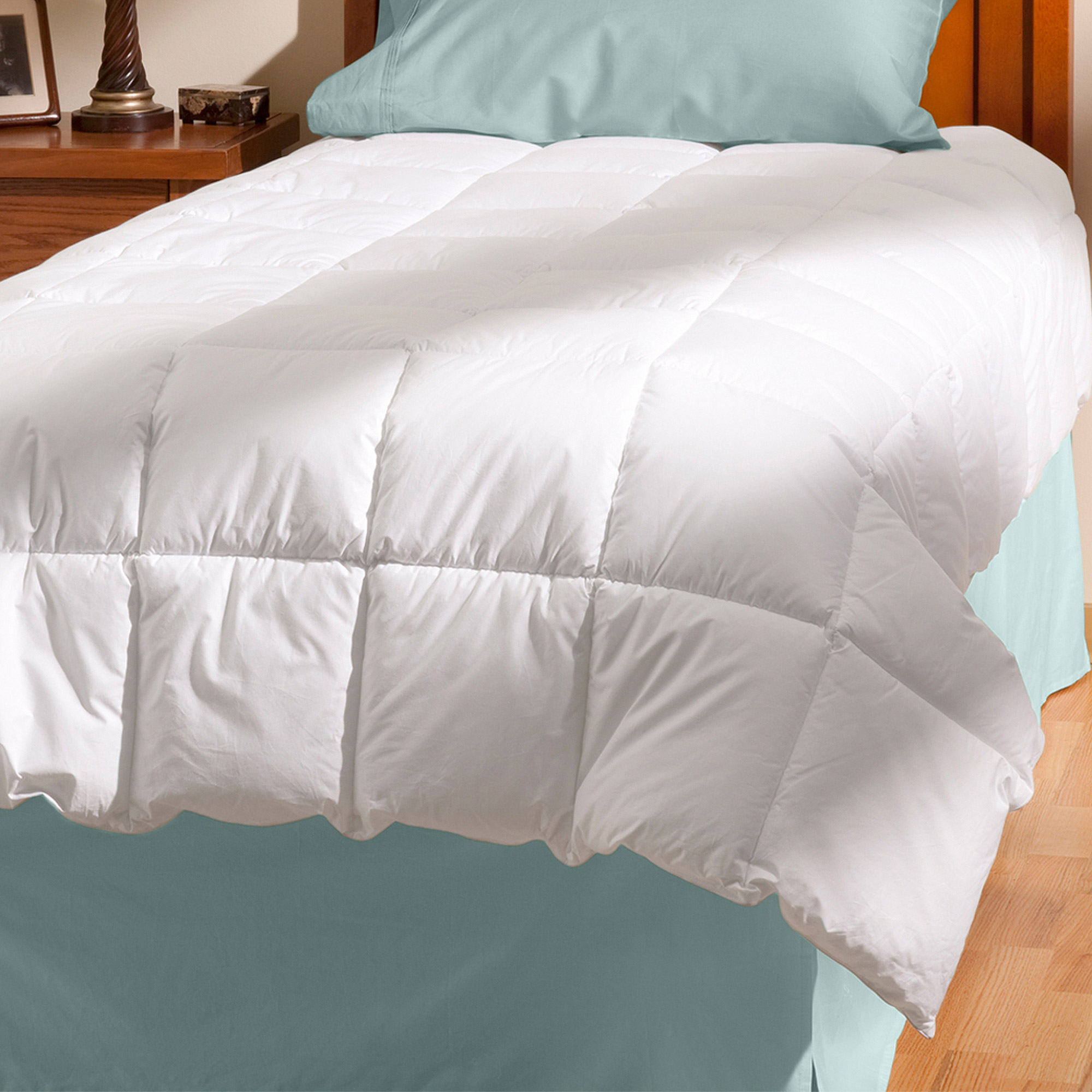 AllerEase Down Alternative Cotton Allergy Protection Comforter
