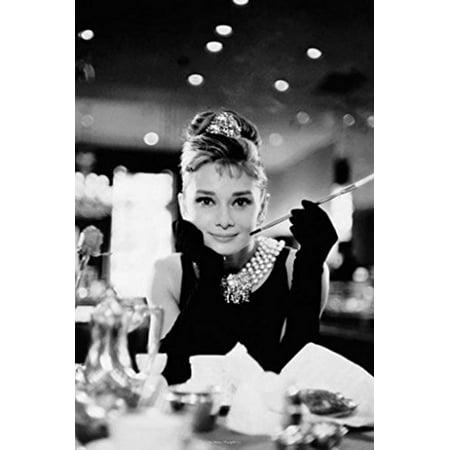 Audrey Hepburn    Breakfast at Tiffanys   24x36 (Breakfast Tiffanys Movie Poster)
