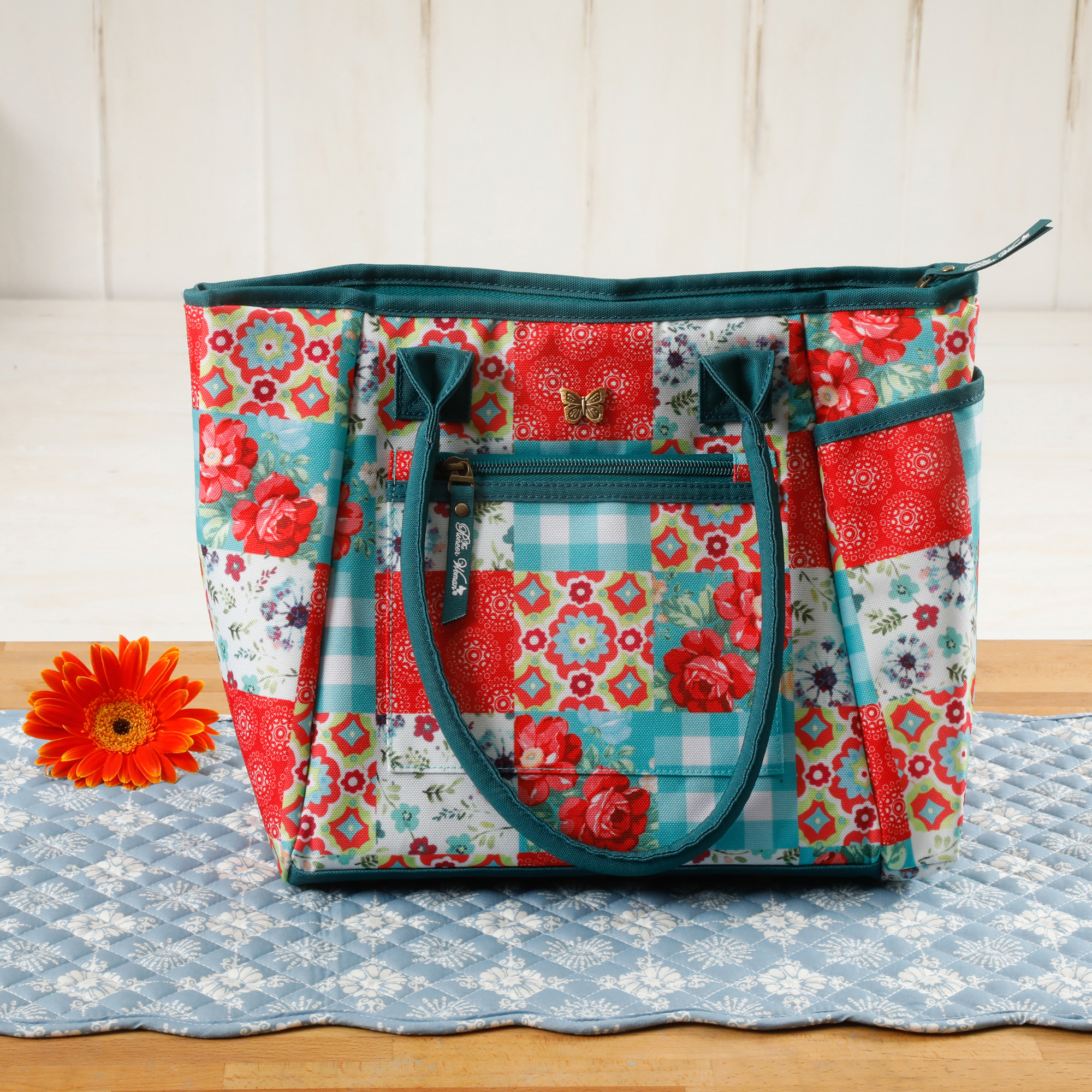 The Pioneer Woman Patchwork Lunch Tote w/ Hydration Bottle
