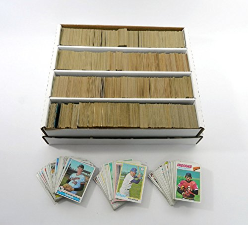 MLB Baseball Card Collector Box with Over 3200 Cards 1977...