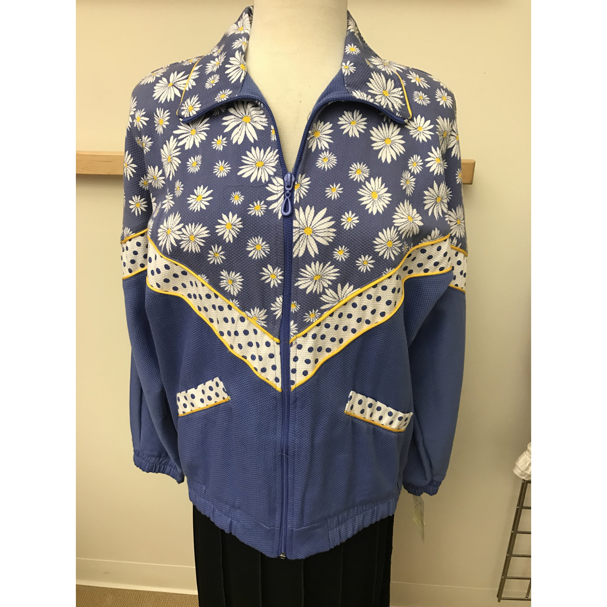 Daisy And Polka Dot Print Cotton Pique Jacket (Style# 4951S7)
