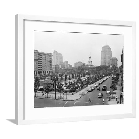 1950s Philadelphia,, PA  Looking Southeast at Historic Independence Hall Building and Mall Framed Print Wall (Independence Shopping Mall)
