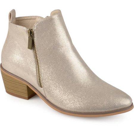 Brinley Co. Women's Faux Leather Stacked Heel Side Zip Booties ()