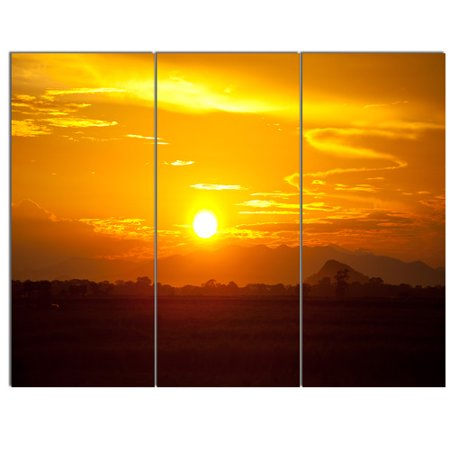 Design Art 'Bright Yellow Sunset in Sri Lanka' 3 Piece Photographic Print on Wrapped Canvas (Sri Lanka Yellow Sapphire)