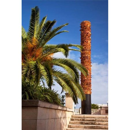 Posterazzi PDDCA27BJN0017 Totem Pole of Native Indians San Juan Puerto Rico Poster Print by Brian Jannsen - 19 x 29 in.