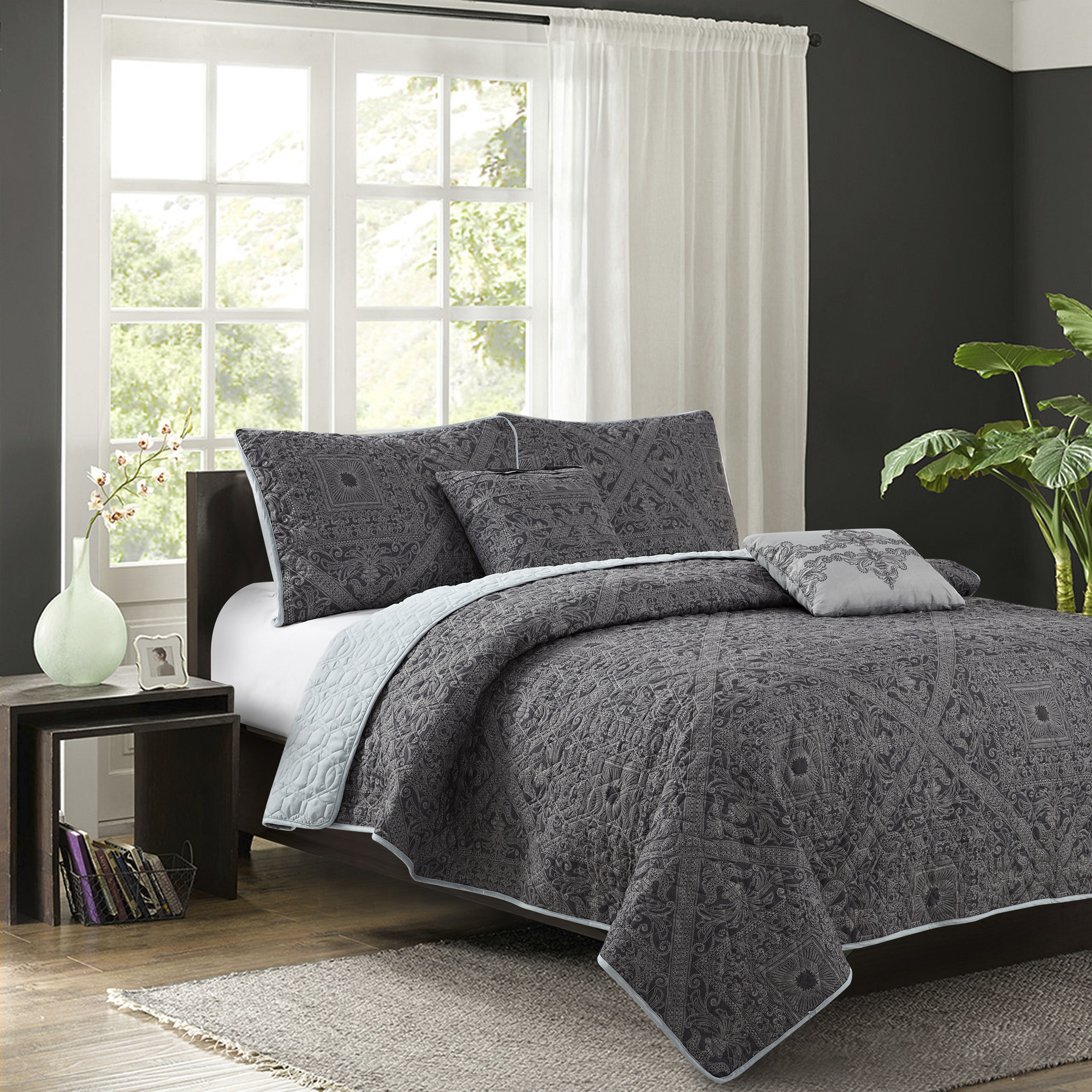 Bastille Grey 5-piece Quilt Set by New Sega Home Textiles