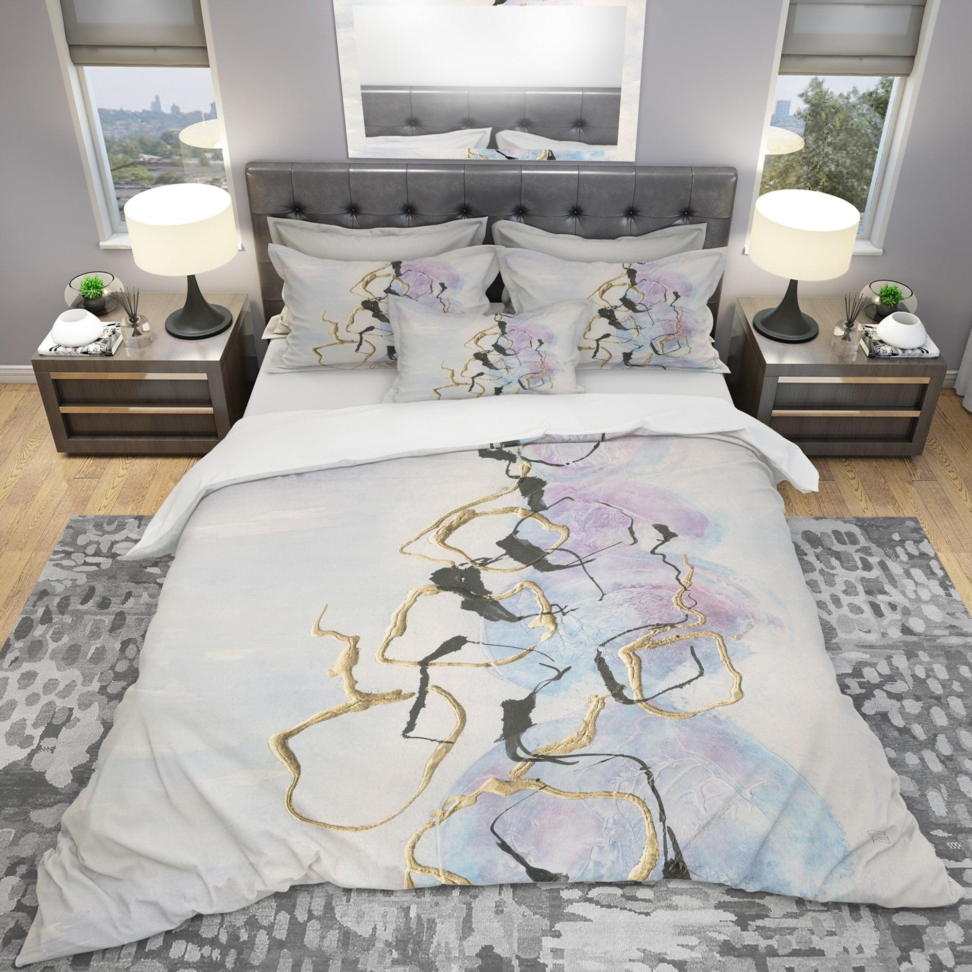 DESIGN ART Designart 'Gold Lines on Pastel I' Geometric Bedding Set - Duvet Cover & Shams
