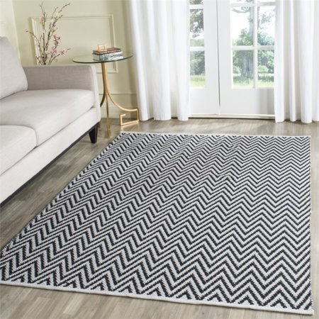 "Safavieh Montauk 2'3"" X 3'9"" Hand Woven Cotton Rug in Black and Ivory - image 1 de 3"