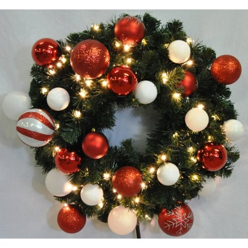 Queens of Christmas Pre-Lit Sequoia Wreath Decorated with Candy Ornament