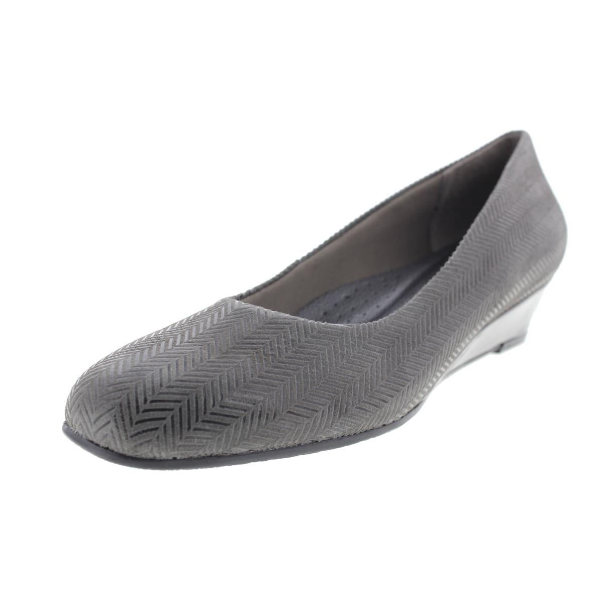 Trotters Womens Lauren Wedge Heels by Trotters
