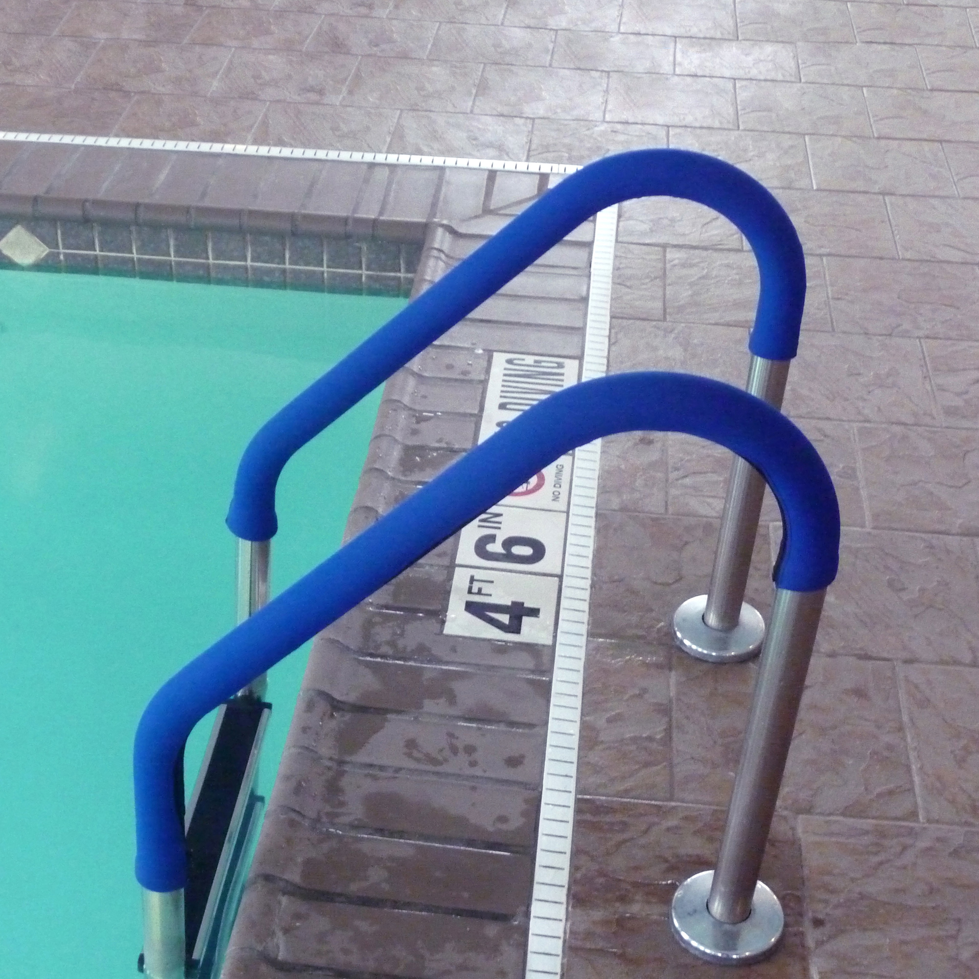 Blue Wave 4-ft Grip for Pool Handrails - Blue