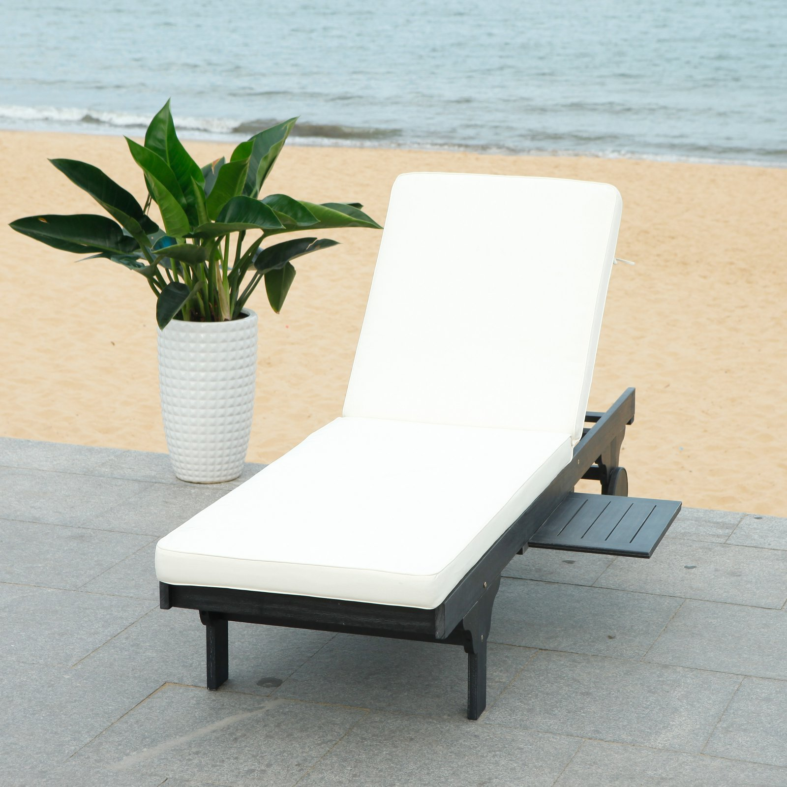 Safavieh Newport Outdoor Modern Chaise Lounge Chair with Cushion
