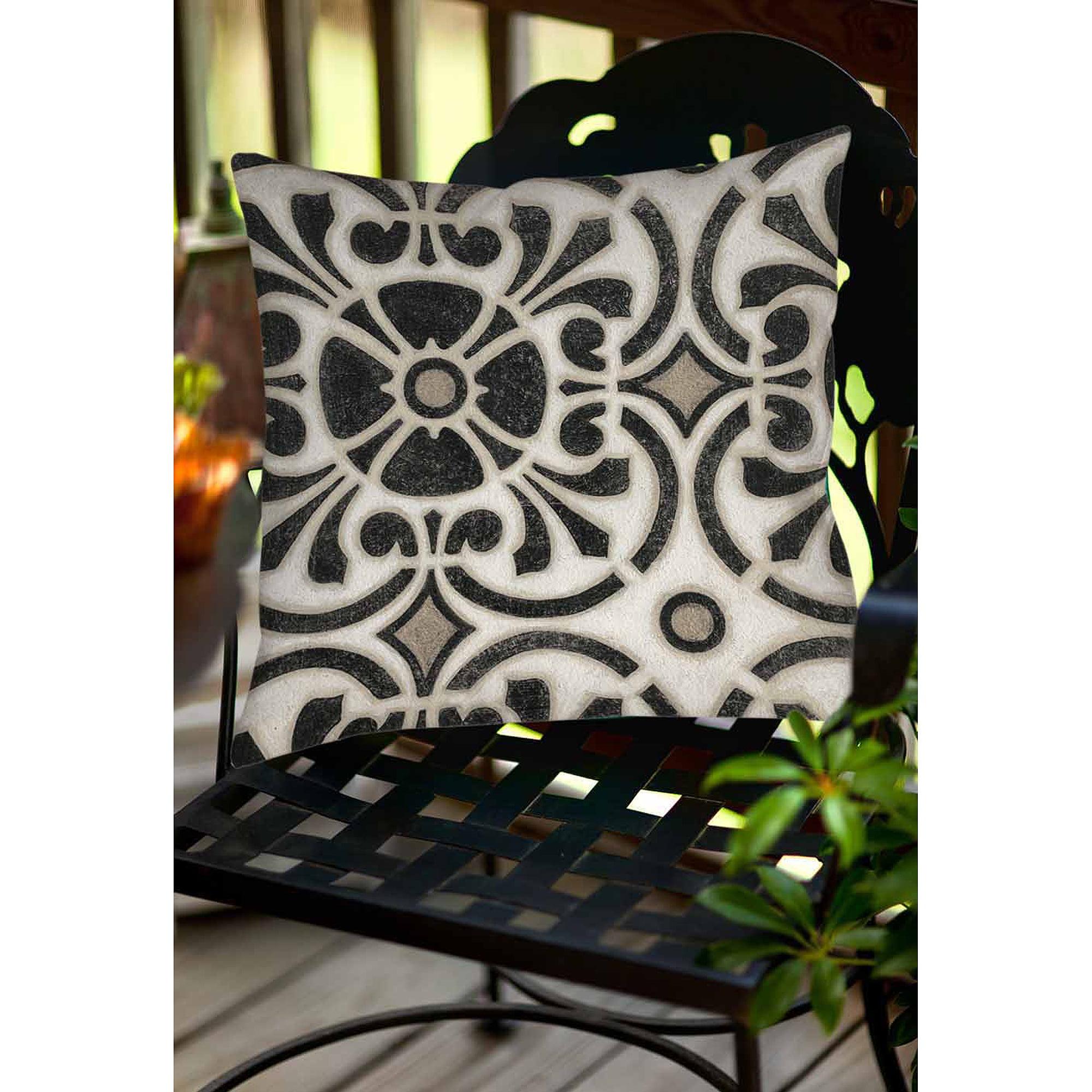 Thumbprintz Moroccan Symbol II Indoor/Outdoor Pillow