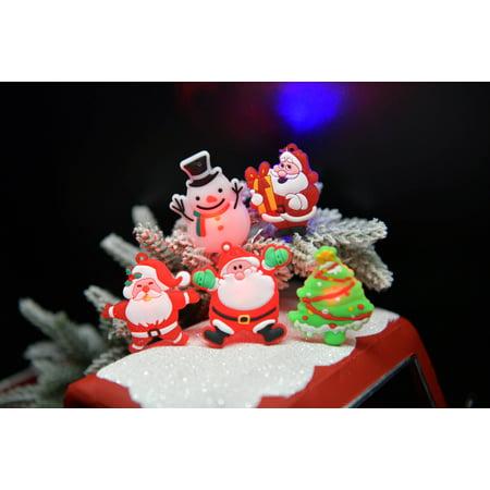 (25 Pack) Light-Up Christmas Pins Brooches Charms Flashing Santa LED Kids Snowman Navidad Gifts