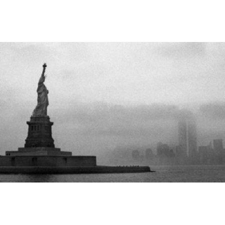 Statue Of Liberty Mini Poster 11Inx17in  28Cm X43cm
