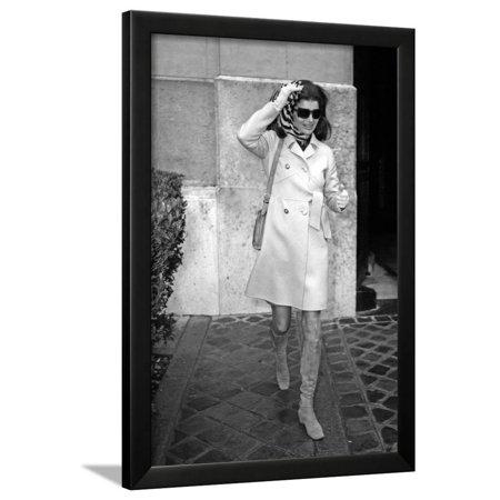 Jackie Kennedy Onassis (Nina Ricci Sunglasses, Gucci Bag) Leaving Crillon Hotel, Paris, 1970 Framed Print Wall Art