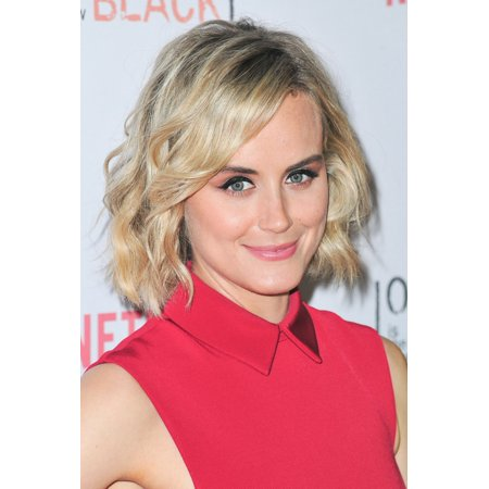 Taylor Schilling At Arrivals For Netflix Celebrates Orange Is The New Black With Orangecon 2015 Canvas Art     16 X 20