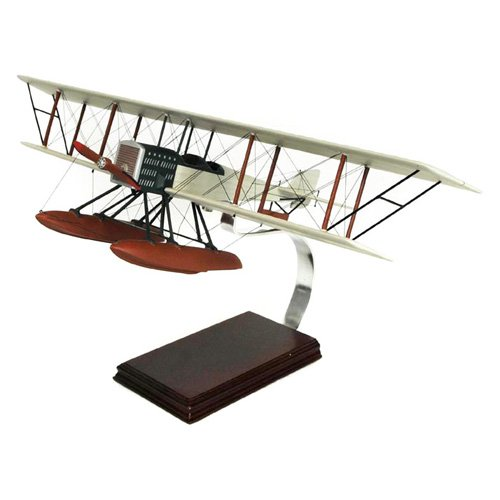 Daron Worldwide Boeing B and W Model Airplane by Toys and Models Corp