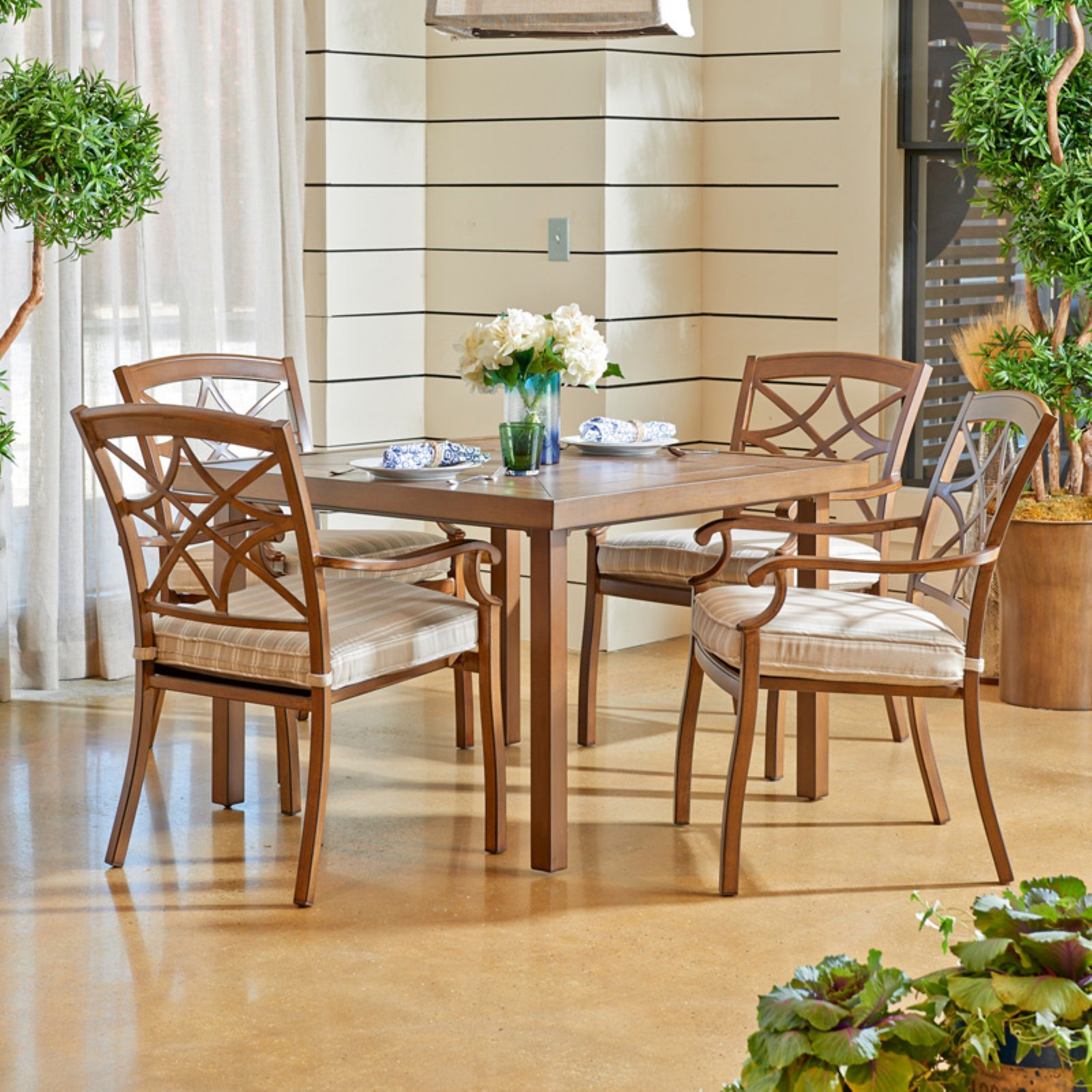 Trisha Yearwood Outdoor 42 in. Dining Table with 4 Dining...