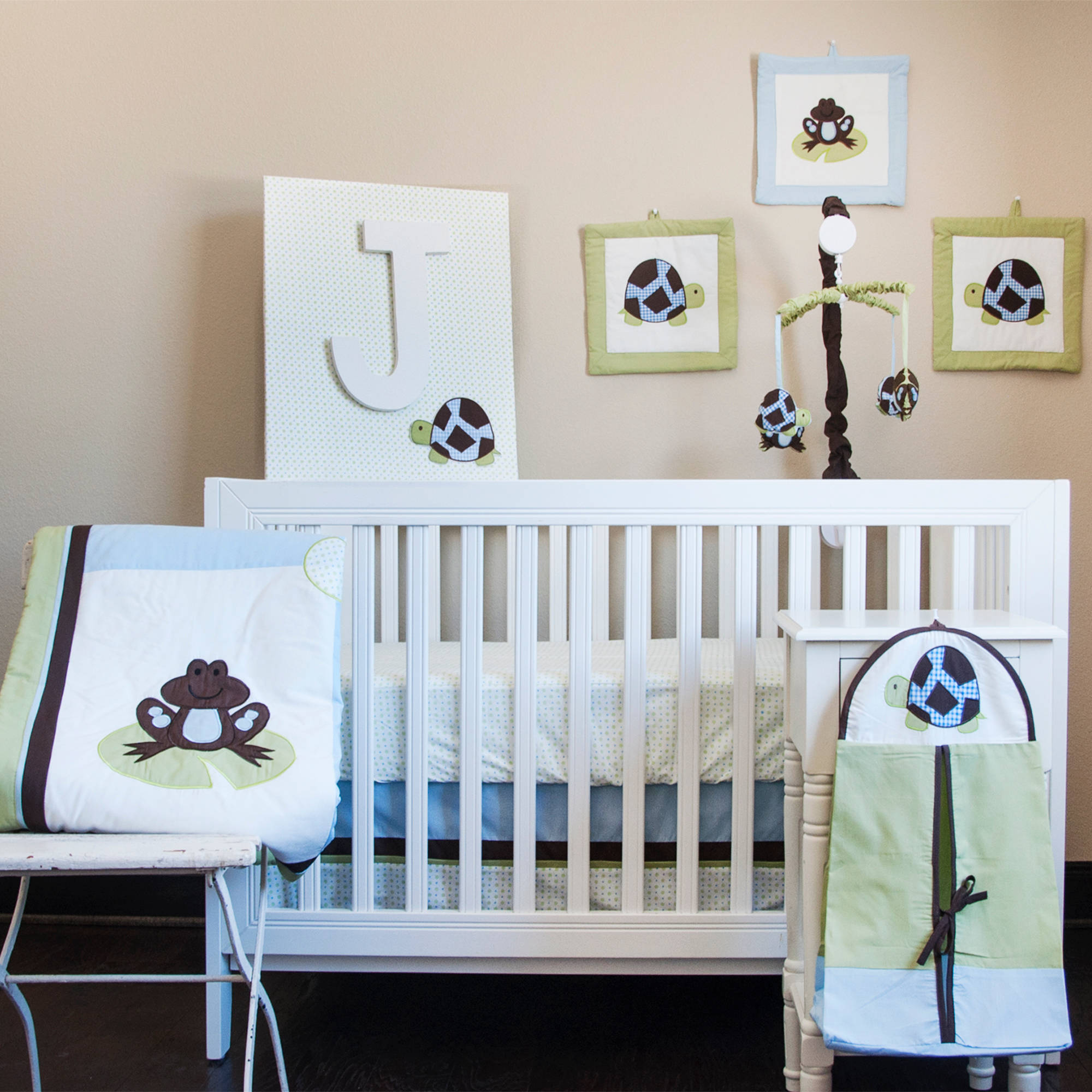 Mr. and Mrs. Pond 10-Piece Nursery in a Bag Bedding Set