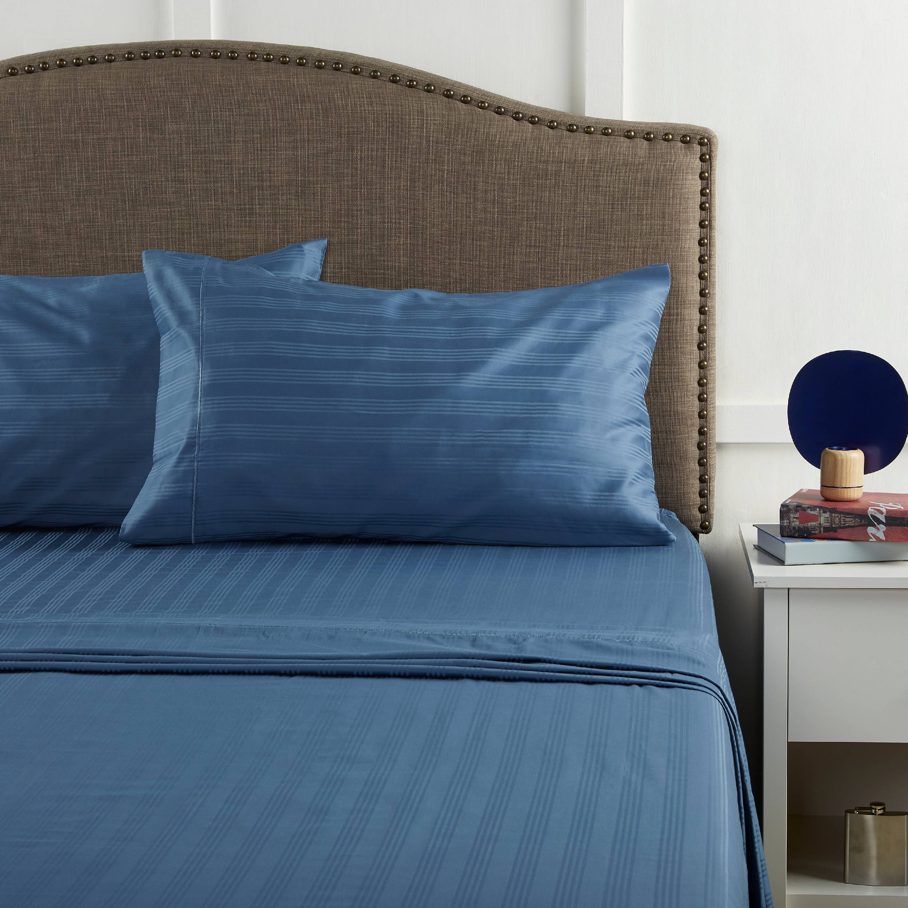 Better Home and Gardens 400-Thread-Count Damask Performance Queen Sheet Set, Blue