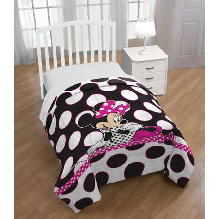 Minnie Mouse Reversible Twin/Full Comforter ()