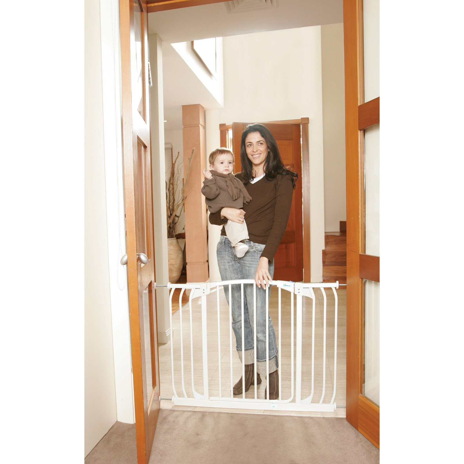 Dream Baby Chelsea Swing Closed Hallway Security Gate - White
