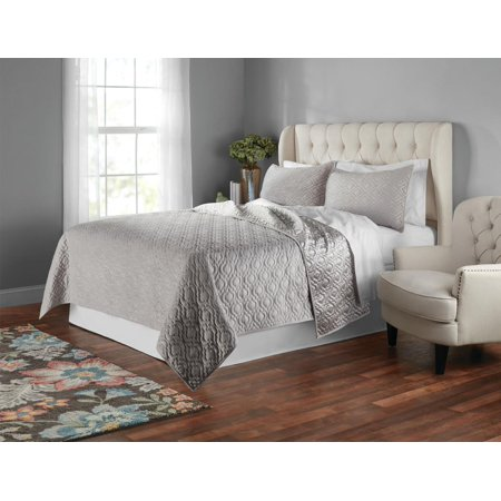 Poly Velvet Prisonic Ogee Quilt Set by Mainstays