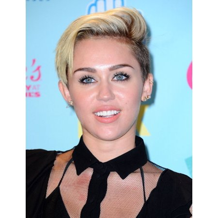 Miley Cyrus In The Press Room For Teen Choice Awards 2013   Pressroom Rolled Canvas Art     8 X 10