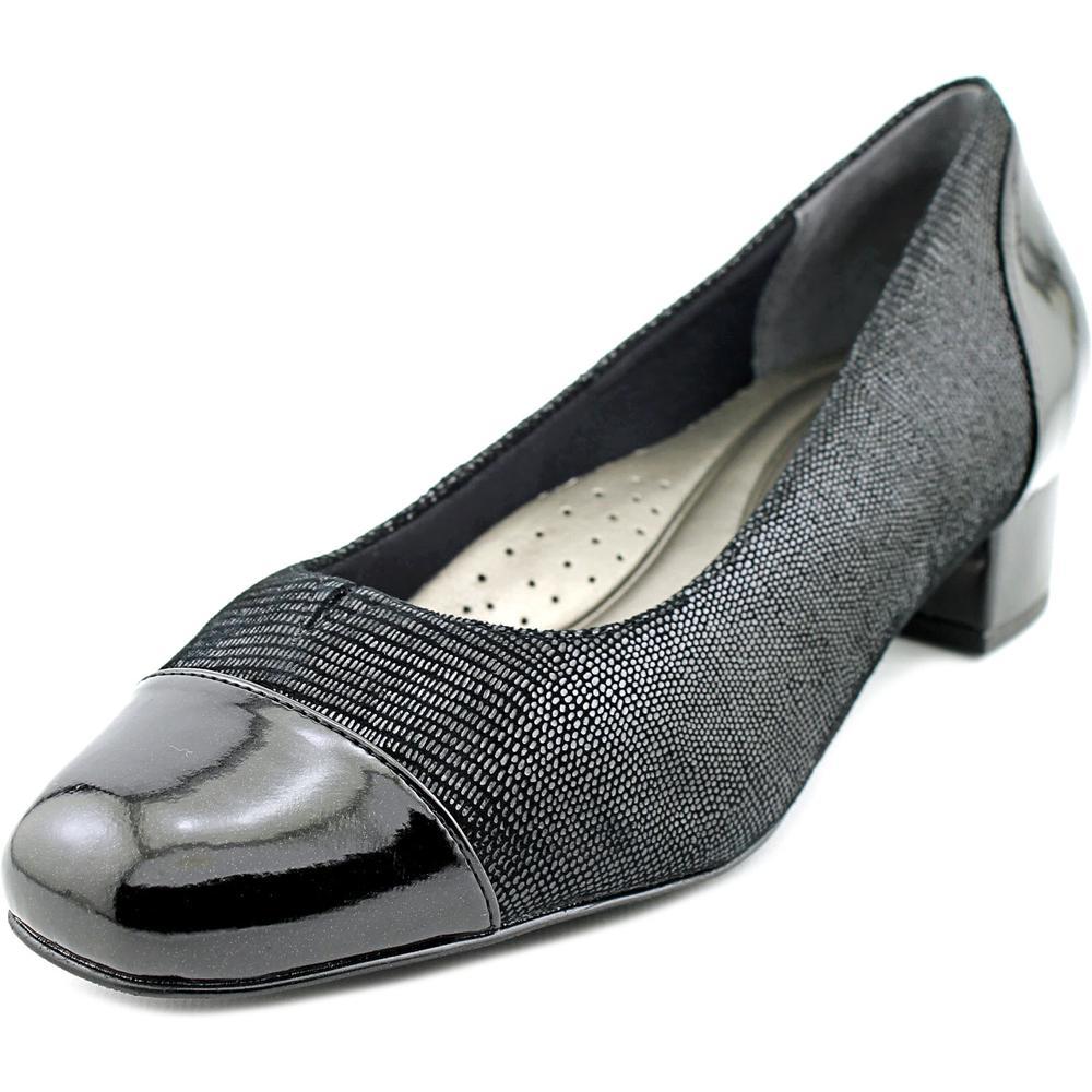 Trotters Danelle Women N S Round Toe Leather Black Heels by Trotters