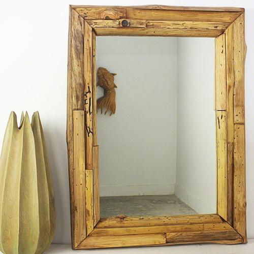 Haussmann Handmade 25 x 32-inch Teak Branch and Teak Oil Mirror (Thailand)